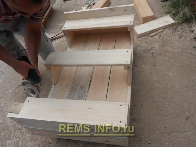 строительство детского паровозика своими руками - шлифовка.