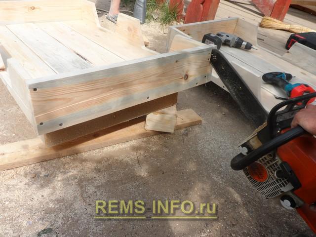 строительство детского паровозика своими руками - края бортов отпиливаем лобзиком или бензопилой.