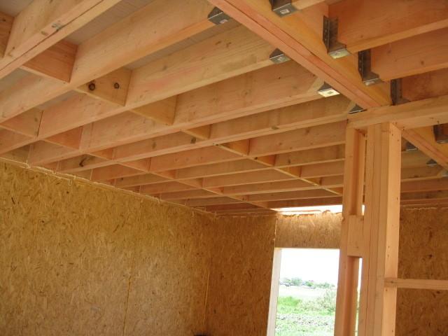 Вариант монтажа деревянных балок перекрытия.