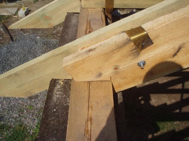 Пример устройства опорного узла стропильной ноги на мауэрлат.