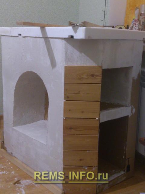 Декор камина из картона.