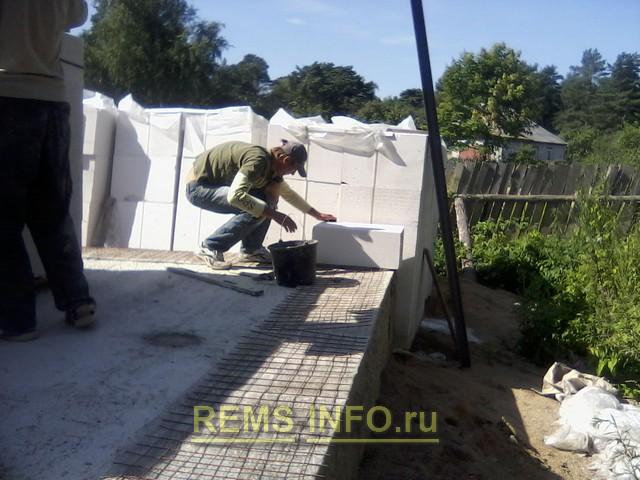 Герметизация канализационного стыка чугунного и пластикового