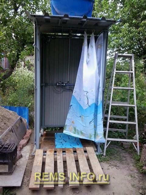 Летний душ для дачи своими руками из труб