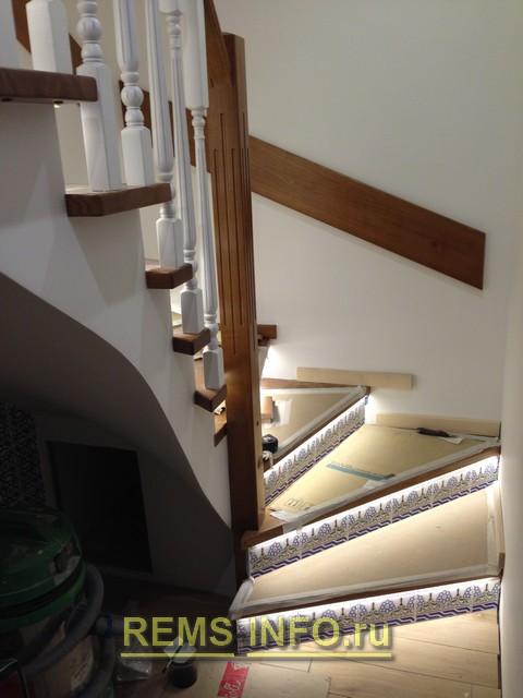 Фото отделки подступеней бетонной лестницы плиткой.