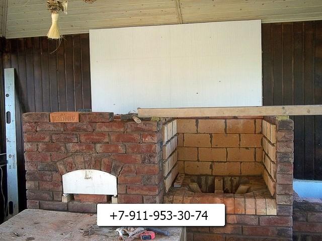 стенки над тандыром делаем из огнеупорного кирпича.