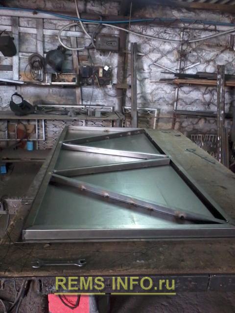Изготовление входной металлической двери.