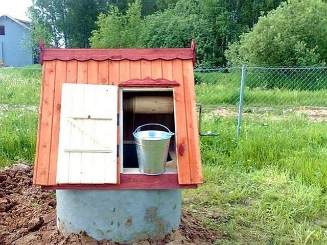 Определяем, колодец или скважина, что лучше для дома и усадьбы