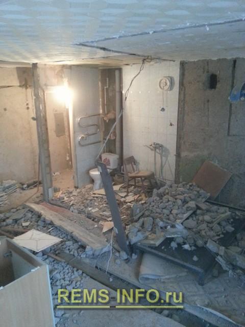 Демонтаж внутренних перегородок при перепланировке квартиры.