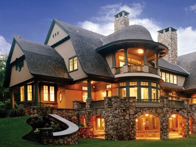 Облицовка фасада натуральным камнем.