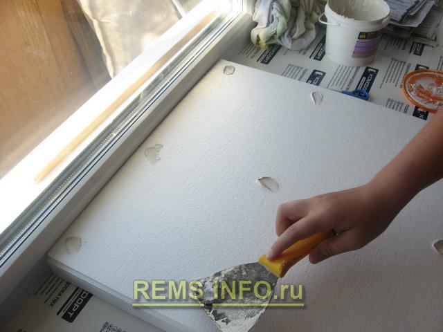 Чем клеить потолочную плитку своими руками 455