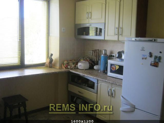 плитка с узором кухонной тематики.