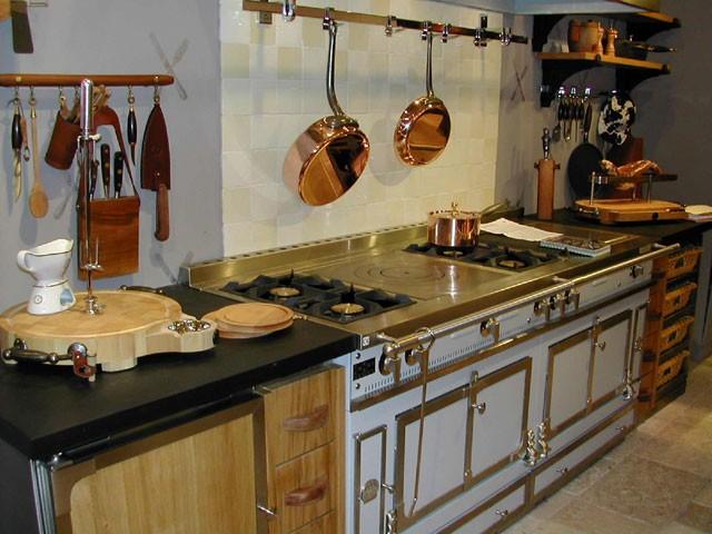 Кухня, выполненная в ретро стиле 2.