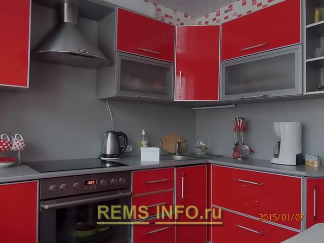 бордово серая кухня фото