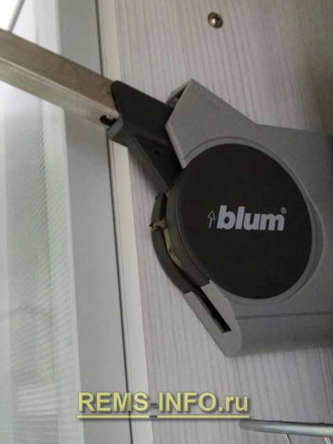 Фото механизма кухонных шкафов.