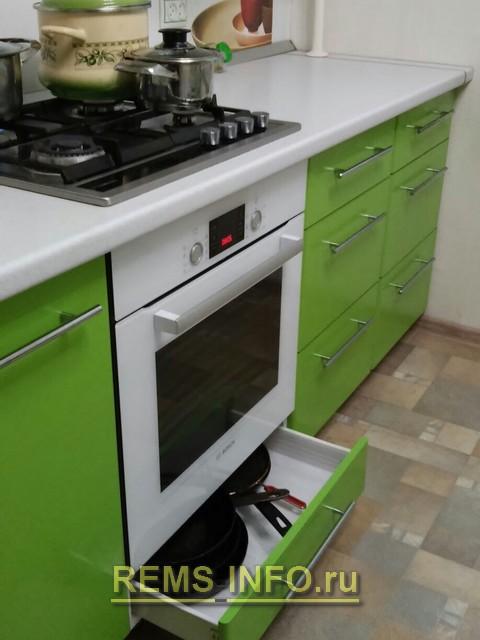Фото плиты на кухне.