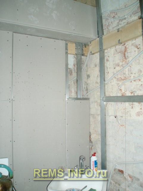 Выравнивание стен кухни гипсокартоном.