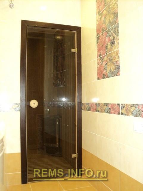 Входные двери в баню деревянные 76