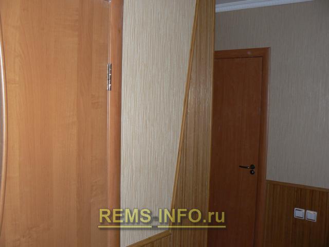 Угол отделанный бамбуковыми обоями
