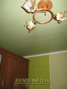 Кухня фисташкового цвета2
