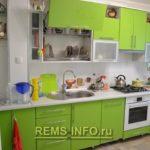 Кухня зеленого цвета фото.
