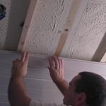 монтаж реечного потолка из ПВХ