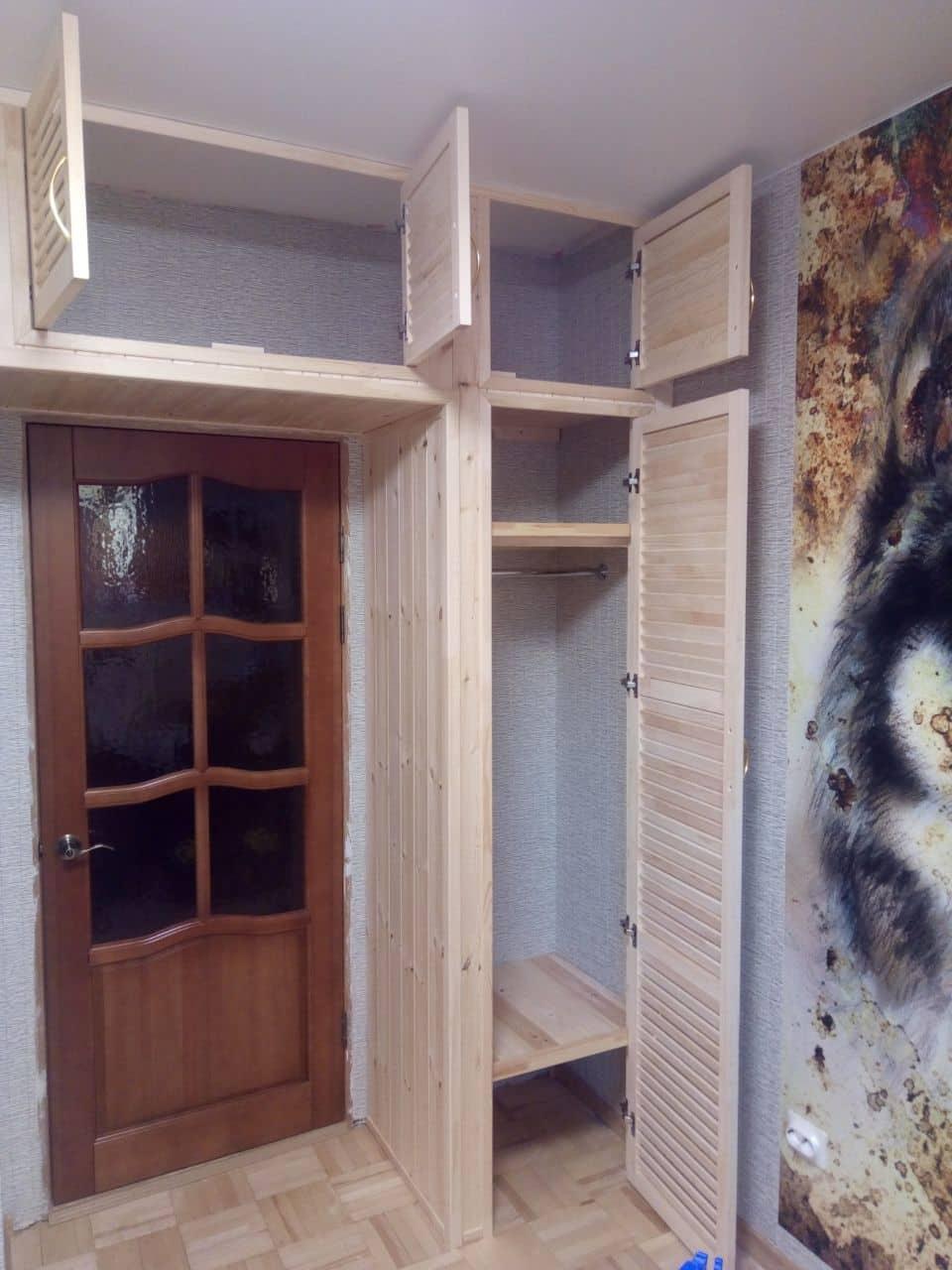 Двери для шкафа из дерева